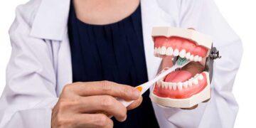 Diş Eti Kanaması Nedenleri